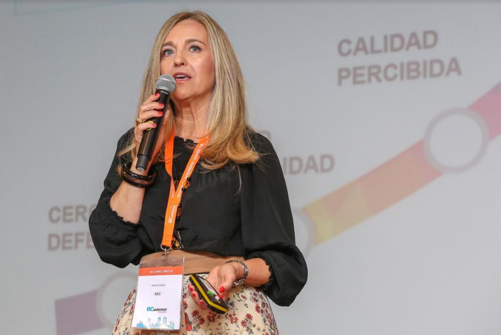 Beatriz López presentando en BCC
