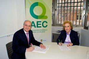 Firma del acuerdo de colaboración AEC & Packnet